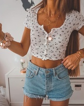 shirt,top,floral,crop tops,white,knit,button up