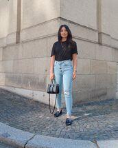 jeans,skinny jeans,high waisted jeans,loafers,black t-shirt,black bag