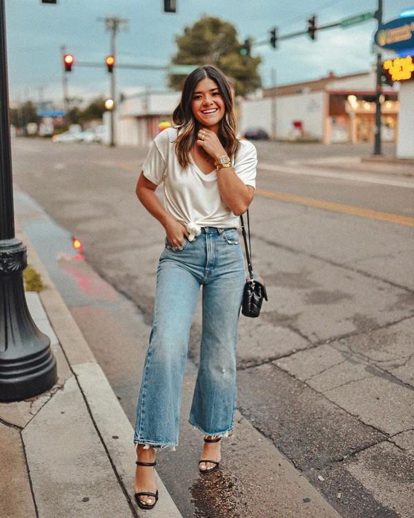 jeans wide-leg pants high waisted jeans black sandals black bag white shirt