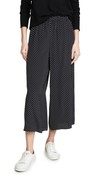 Theory Fluid Pull On Culottes in black / multi