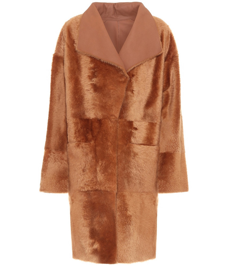 Common Leisure Spring reversible shearling coat in gold