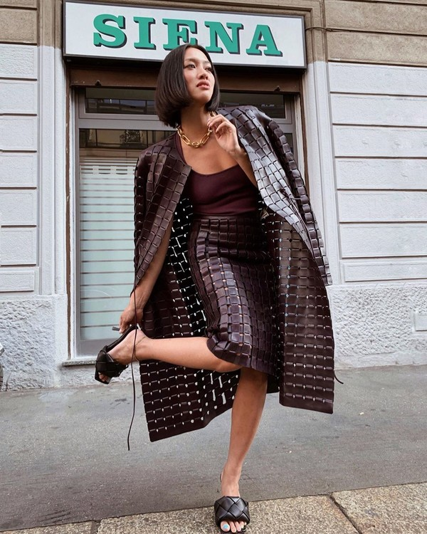 skirt midi skirt brown coat bottega veneta top slide shoes