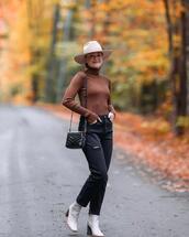 hat,jeans