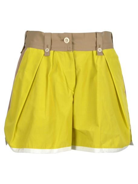Sacai Short in yellow / beige
