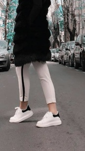 shoes,white sneakers