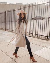 coat,grey coat,pumps,skinny jeans,knitted sweater,felt hat