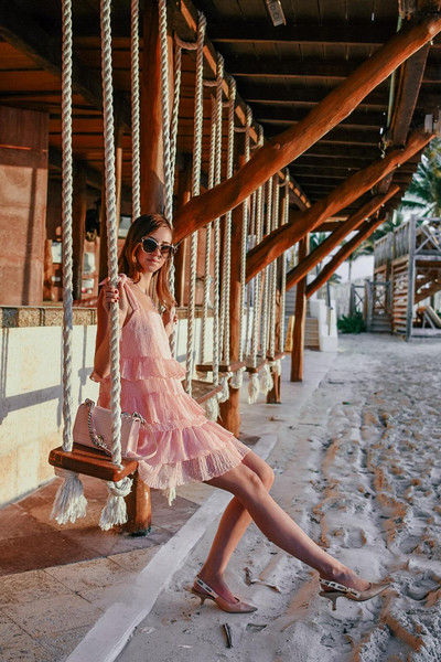 vogue haus blogger dress bag sunglasses pink dress slingbacks