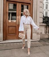 top,white shirt,high waisted jeans,skinny jeans,white sandals,handbag