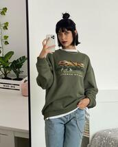 sweater,jeans