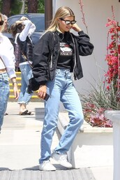 top,sofia richie,celebrity,casual,jacket,jeans,streetstyle