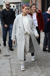 sweater,coat,oversized,hailey baldwin,model off-duty,fall outfits,jeans