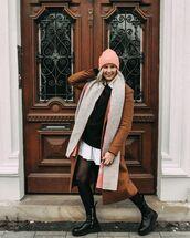 coat,brown coat