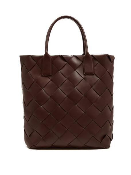 Bottega Veneta - Intrecciato Leather Tote Bag - Womens - Burgundy