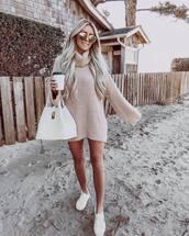 sweater,turtleneck sweater,white sneakers,white bag,shoulder bag