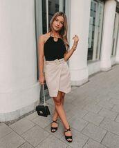 skirt,wrap skirt,black sandals,black bag,black top