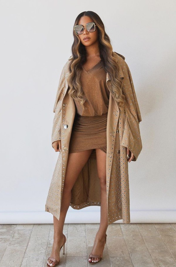 coat beyonce celebrity moschino mini dress dress sandals spring outfits
