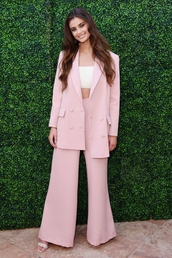 jacket,light pink,Taylor hill,celebrity,model off-duty,top,crop tops,pants,wide-leg pants