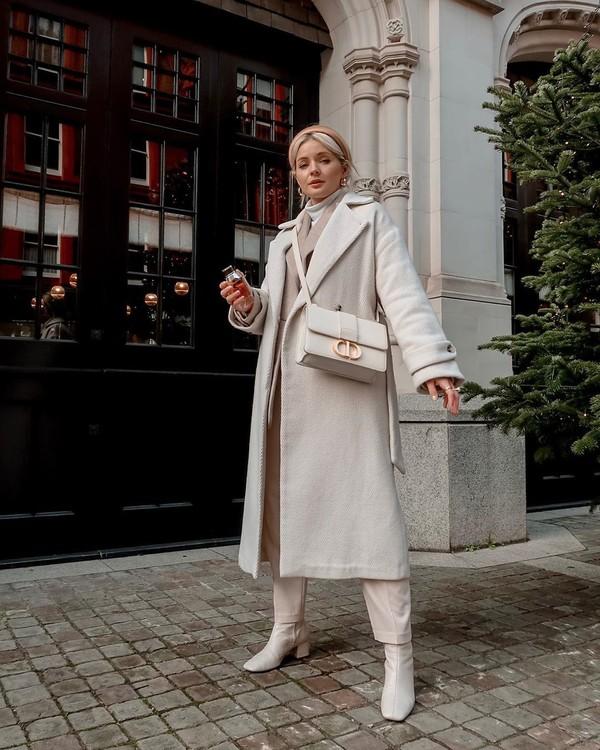 coat white coat white boots straight pants white bag white turtleneck top blazer
