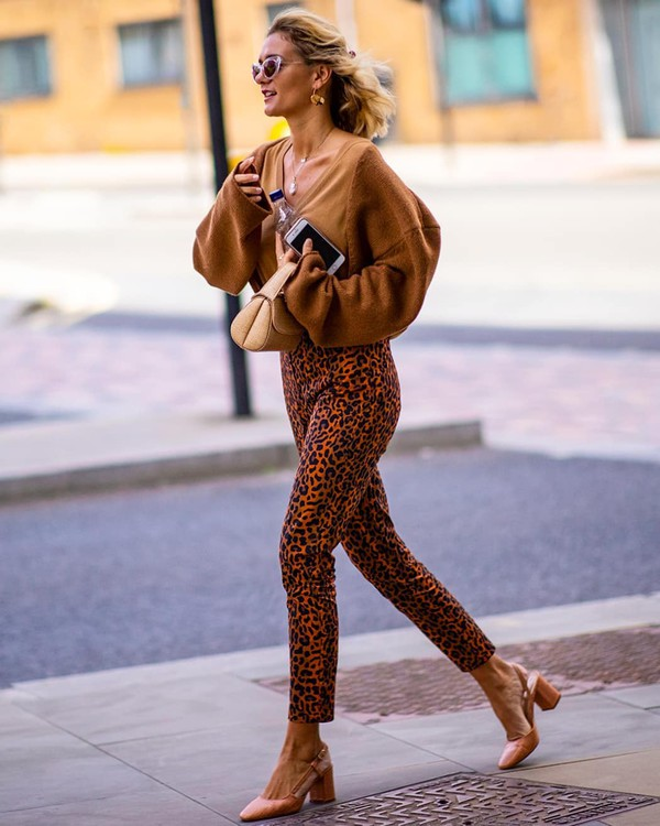 pants leopard print high waisted pants slingbacks oversized sweater v neck handbag
