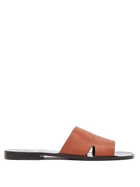 Loewe - Anagram Embossed Leather Slides - Womens - Tan