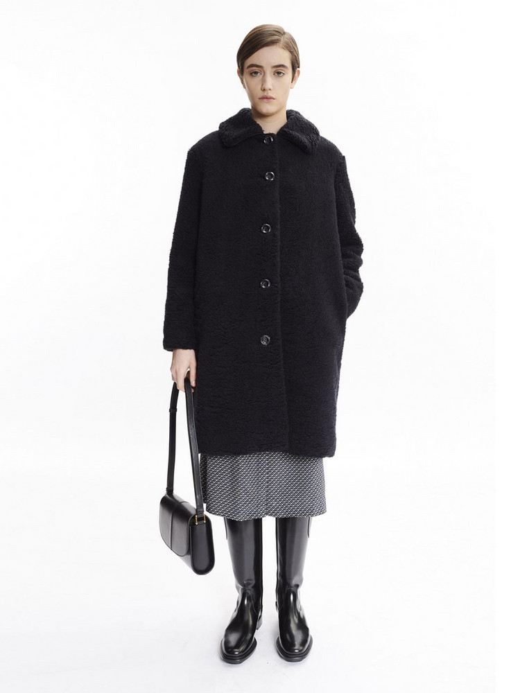 A.P.C. Betty Horizon Leather Shoulder Bag in black