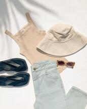 jeans,top,hat