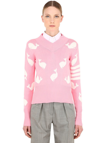 THOM BROWNE Intarsia V Neck Cotton Knit Sweater in pink