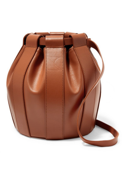 LOW CLASSIC - Leather Bucket Bag - Tan