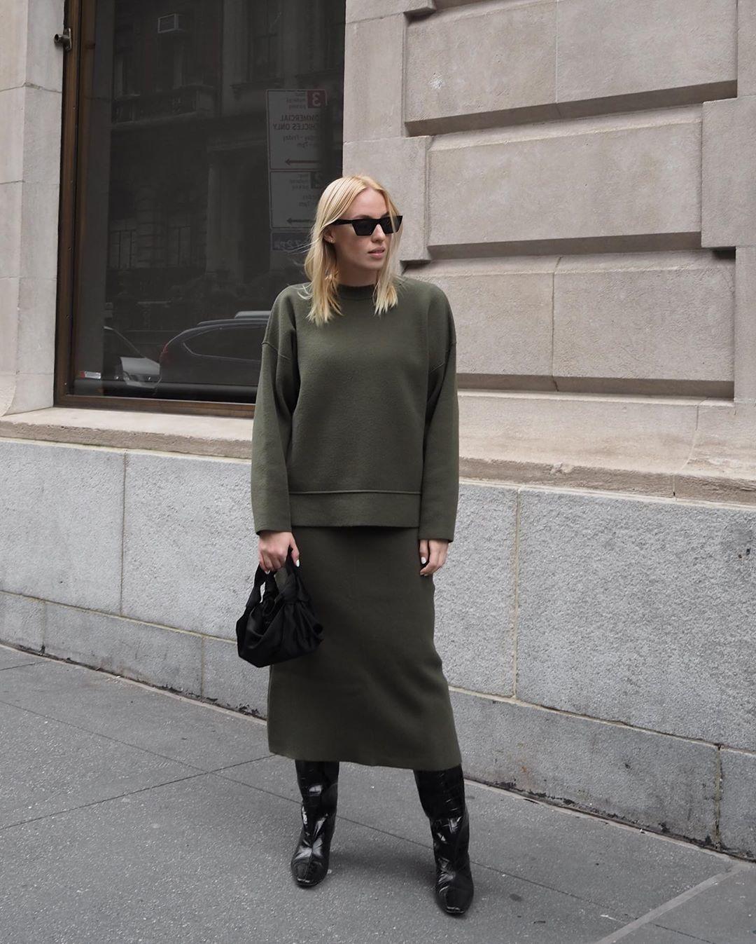 skirt midi skirt green skirt zara sweater knee high boots black boots black bag