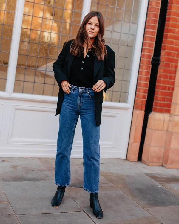 jeans high waisted jeans black boots black blazer black top