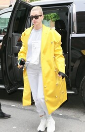 coat,yellow coat,celebrity,hailey baldwin,model off-duty,sweatpants,sweatshirt