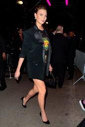 top,karlie kloss,model off-duty,mini skirt,blazer,spring outfits