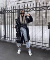 bag,shoulder bag,sneakers,cropped jeans,boyfriend jeans,vinyl,black coat,black bag,black hoodie,black sunglasses