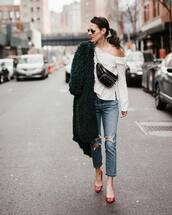 jeans,straight jeans,ripped jeans,pumps,faux fur coat,white blouse,belt bag