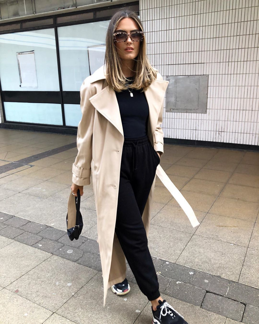 coat trench coat topshop joggers black top black sneakers bag
