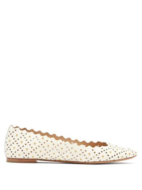 Chloé Chloé - Lauren Scallop Edge Leather Flats - Womens - White