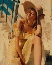 dress,hat