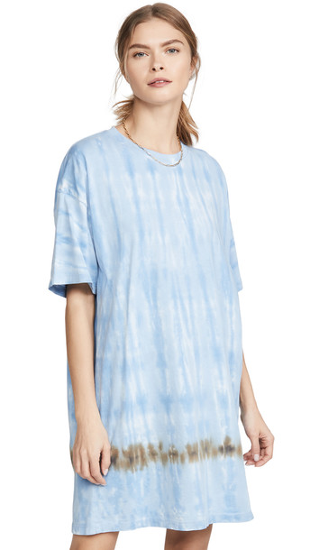 Raquel Allegra T Shirt Dress in blue