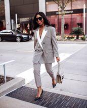 jacket,plaid blazer,plaid,grey pants,pumps,bag