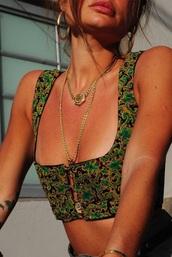 top,green,pattern