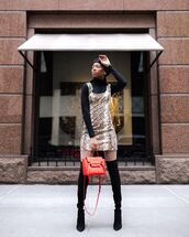 dress,mini skirt,snake print,black boots,knee high boots,tights,black turtleneck top,bag,beret