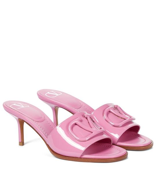Valentino Garavani VLOGO patent leather sandals in pink