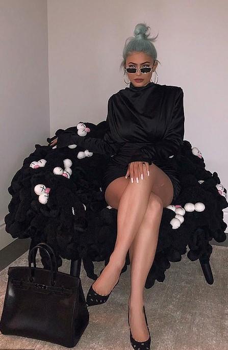 dress kylie jenner kardashians celebrity instagram little black dress black dress black pumps