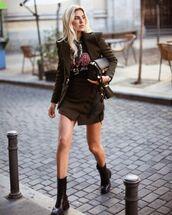 skirt,wrap skirt,black boots,blazer,t-shirt,bag
