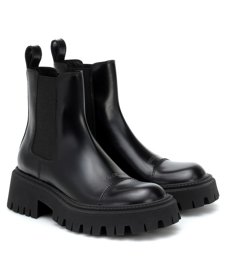 Balenciaga Leather Chelsea boots in black