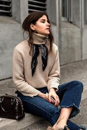 lefashion,blogger,scarf,sweater,jeans