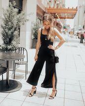 pants,black pants,slit pants,black sandals,black top,crossbody bag