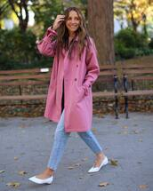 coat,trench coat,pink coat,white shoes,straight jeans,knitted sweater