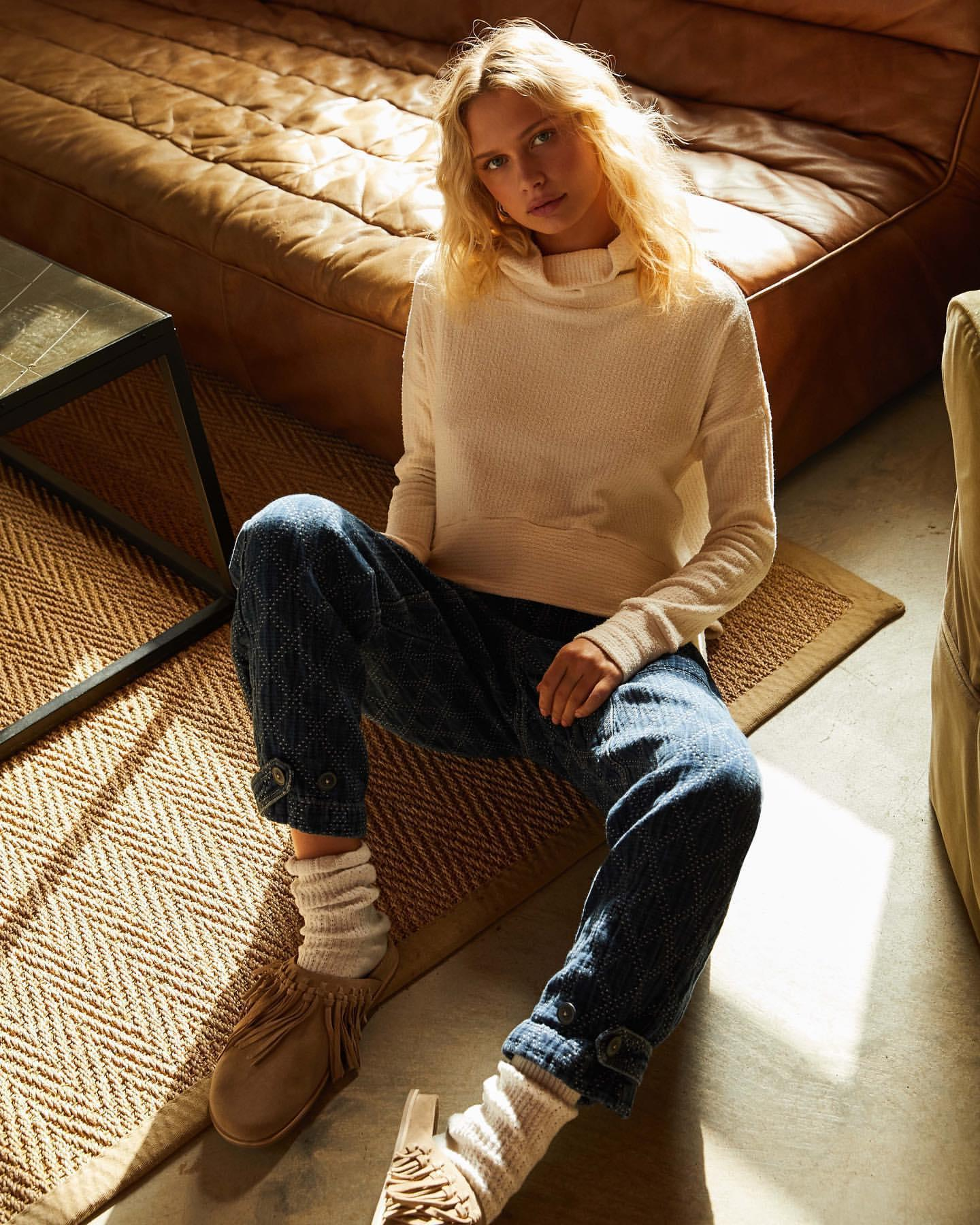 shoes sweater jeans