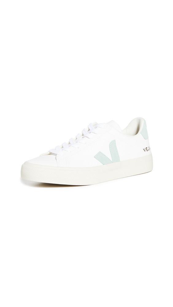 Veja Campo Sneakers in white